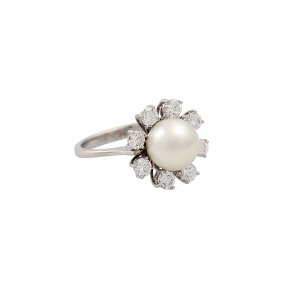 Ring with fine pearl and 8 brilliant-cut diamonds totaling approx. 1.6 ct, - photo 1
