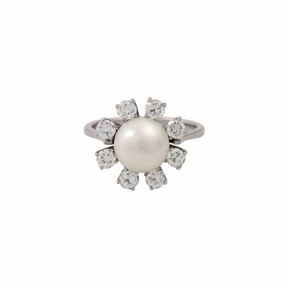 Ring with fine pearl and 8 brilliant-cut diamonds totaling approx. 1.6 ct, - photo 2