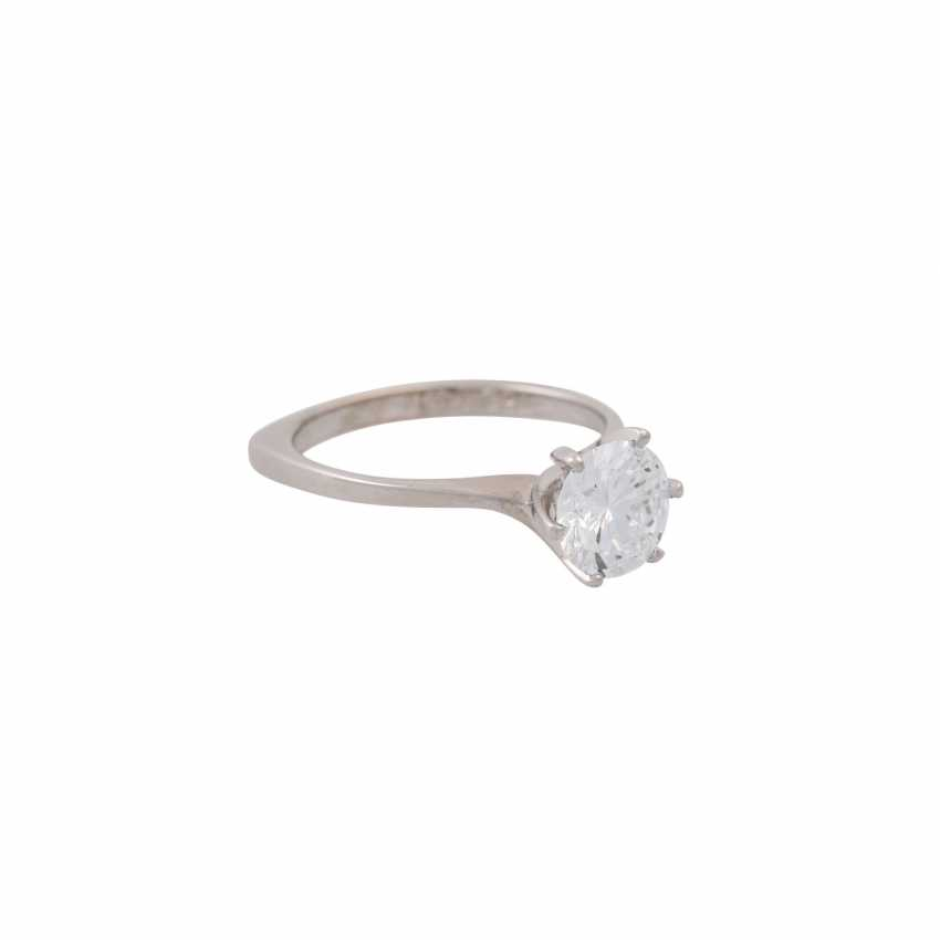 Solitaire ring with a diamond of approx. 1.6 ct, - photo 1