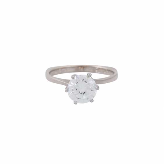 Solitaire ring with a diamond of approx. 1.6 ct, - photo 2