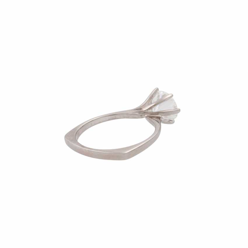 Solitaire ring with a diamond of approx. 1.6 ct, - photo 3