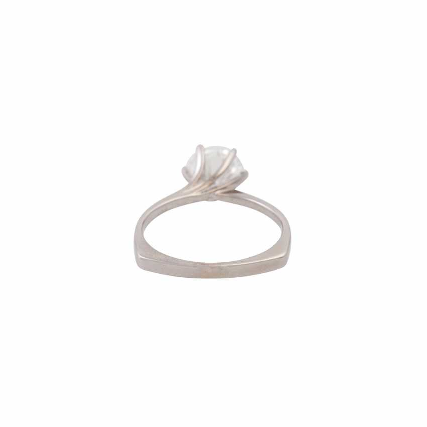 Solitaire ring with a diamond of approx. 1.6 ct, - photo 4