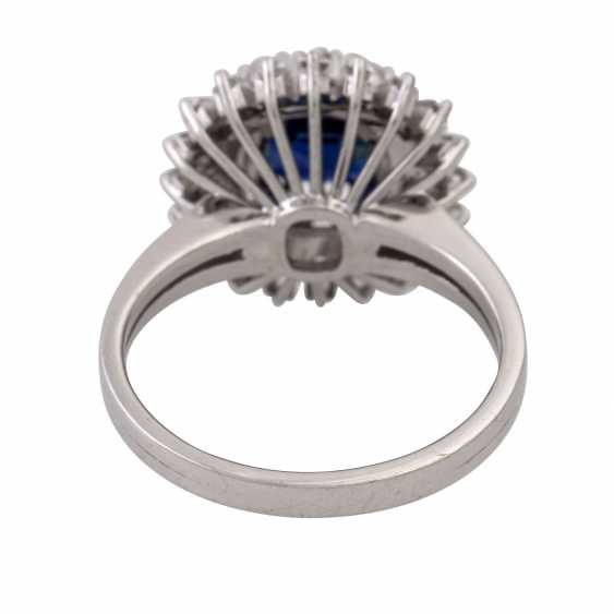 Ring with sapphire surrounded by diamonds and diamond baguettes, - photo 4