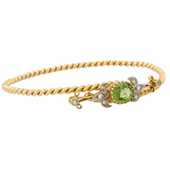 Bangle with oval faceted peridot and 8 diamonds, - photo 2