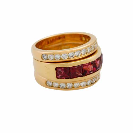 Ring with 6 garnets and 30 brilliant-cut diamonds totaling approx. 0.60 ct, - photo 1