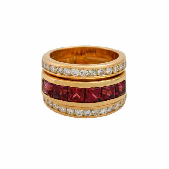 Ring with 6 garnets and 30 brilliant-cut diamonds totaling approx. 0.60 ct, - photo 2
