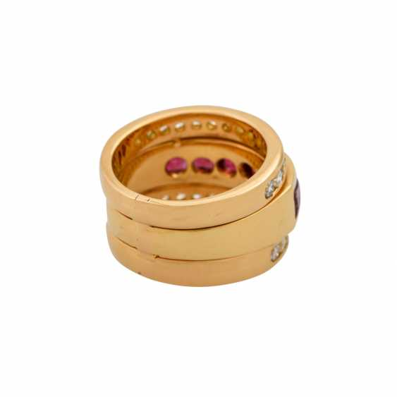 Ring with 6 garnets and 30 brilliant-cut diamonds totaling approx. 0.60 ct, - photo 3