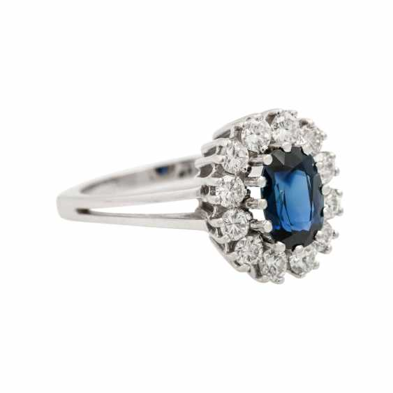 Ring with sapphire and diamonds together approx. 0.8 ct, - photo 1