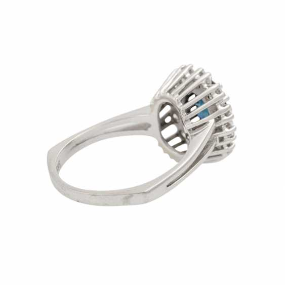 Ring with sapphire and diamonds together approx. 0.8 ct, - photo 3
