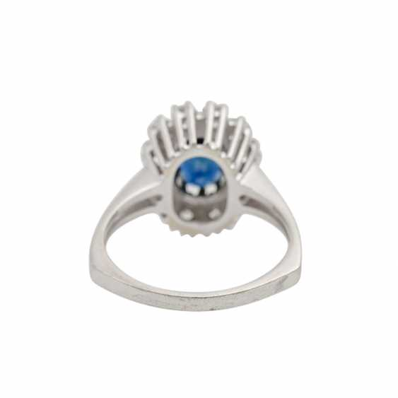 Ring with sapphire and diamonds together approx. 0.8 ct, - photo 4