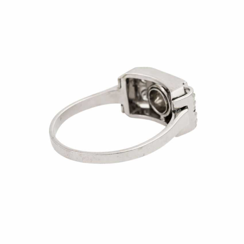 Ring with 5 old European cut diamonds, together approx. 0.55 ct, - photo 3