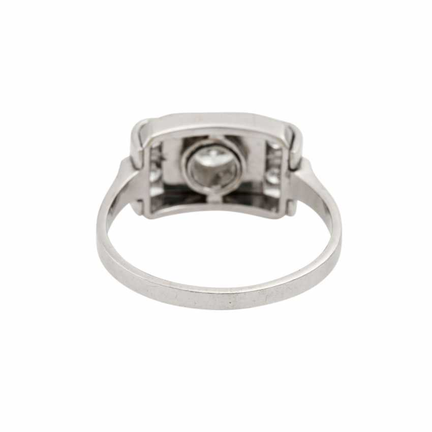 Ring with 5 old European cut diamonds, together approx. 0.55 ct, - photo 4