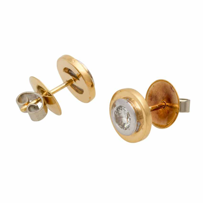 Solitary tube studs with diamonds totaling approx. 0.7 ct, - photo 3