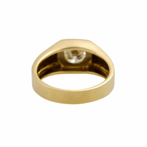 Solitaire ring with a diamond of approx. 0.9 ct, - photo 4