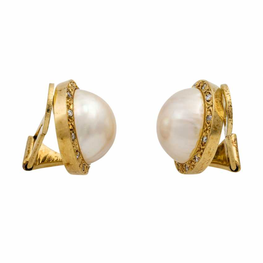Clip-on earrings with Mab pearl surrounded by small diamonds - photo 2