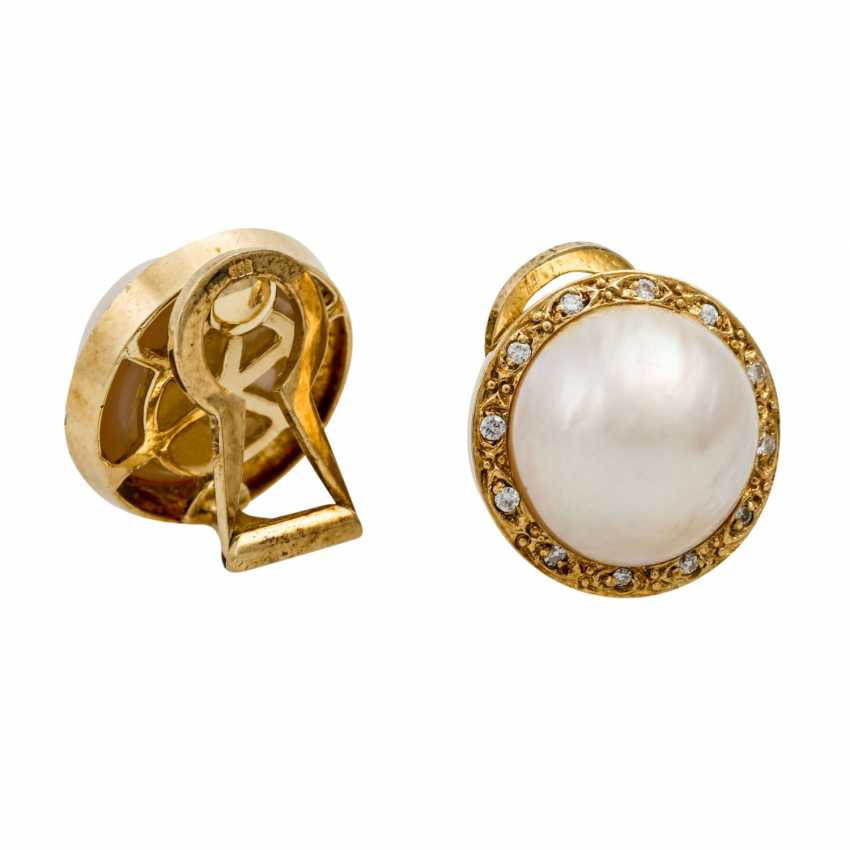 Clip-on earrings with Mab pearl surrounded by small diamonds - photo 3