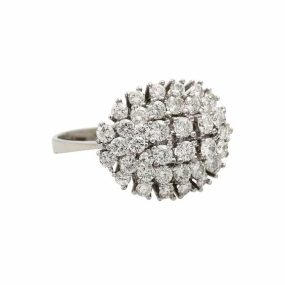 Ring with diamonds totaling approx. 2 ct, - photo 1