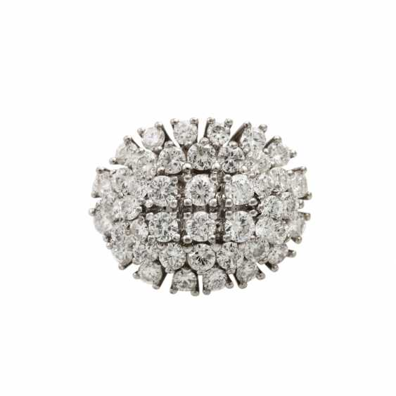 Ring with diamonds totaling approx. 2 ct, - photo 2