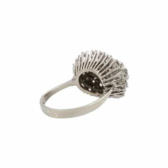Ring with diamonds totaling approx. 2 ct, - photo 3