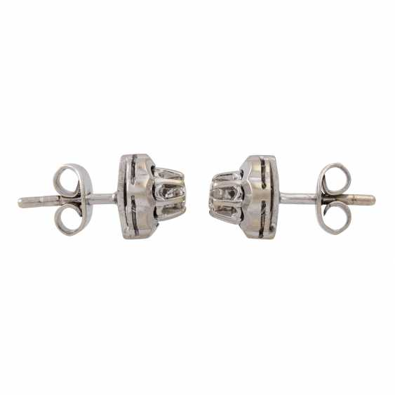 Pair of ear studs with old European cut diamonds totaling approx. 0.28 ct, - photo 2
