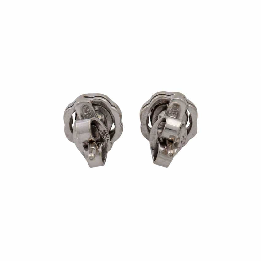 Pair of ear studs with old European cut diamonds totaling approx. 0.28 ct, - photo 4