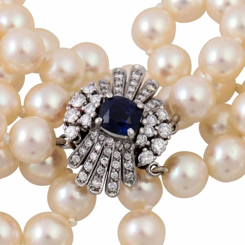 Double-row pearl necklace with sapphire-diamond clasp, - photo 5