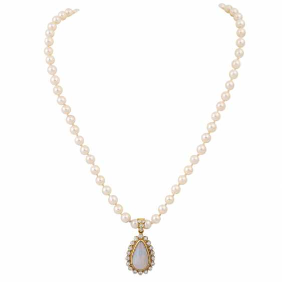 Necklace made of pearls with opal diamond clip pendants, - photo 1