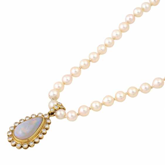 Necklace made of pearls with opal diamond clip pendants, - photo 4