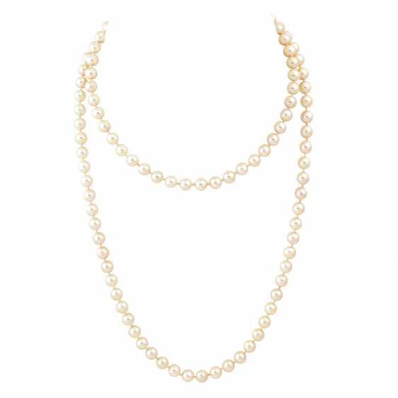 Sautoir made from Akoya cultured pearls, - photo 1