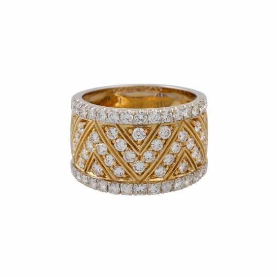 Ring with diamonds totaling approx. 1.2 ct, - photo 2