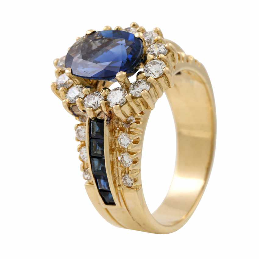 Ring with sapphire and diamonds - photo 5