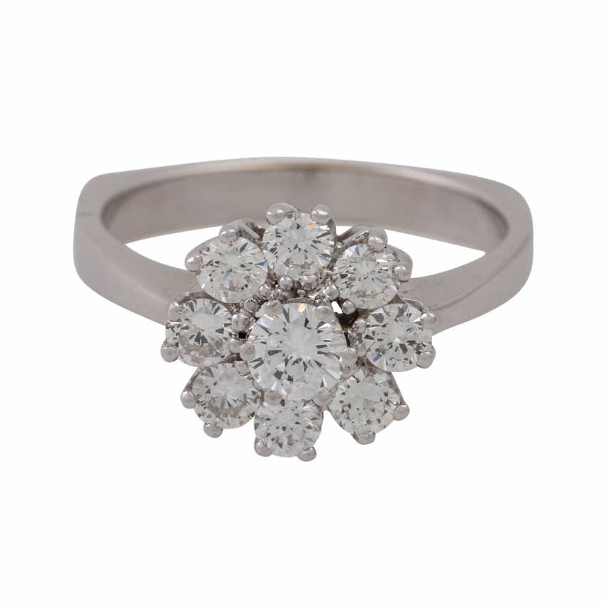 Ring with 9 brilliant-cut diamonds totaling approx. 0.97 ct (hallmarked), - photo 2