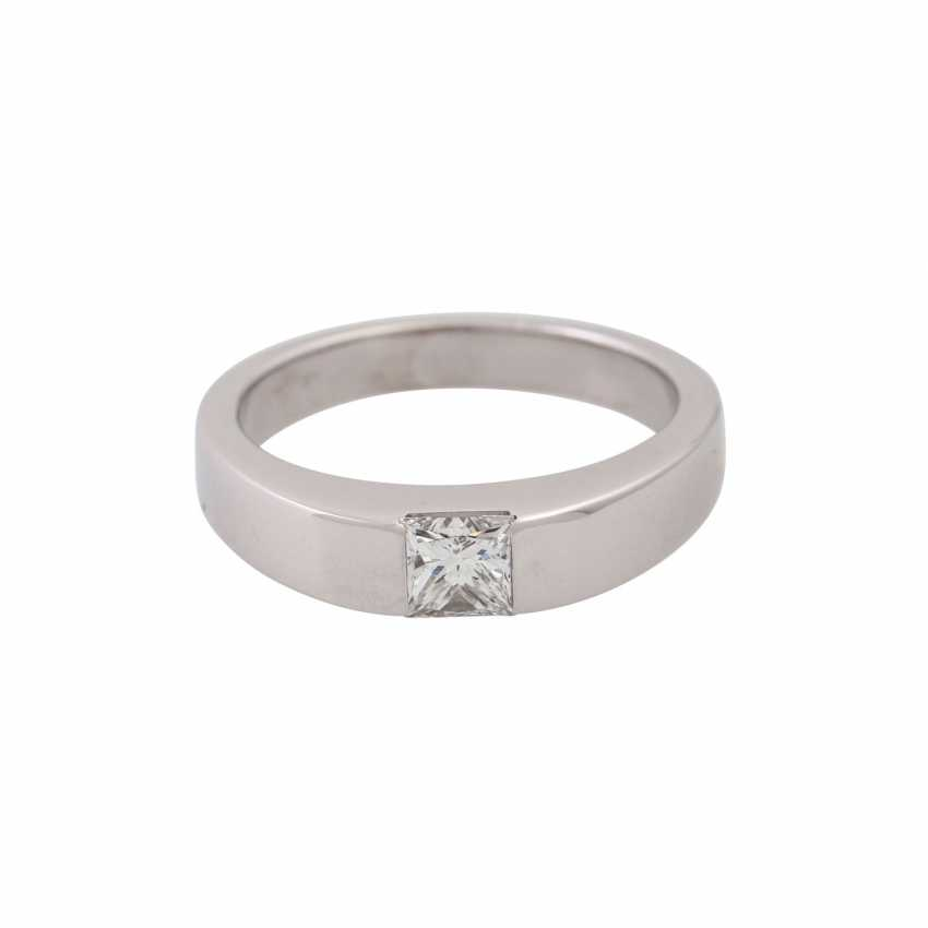Solitaire ring with princess diamond of approx. 0.45 ct, - photo 2