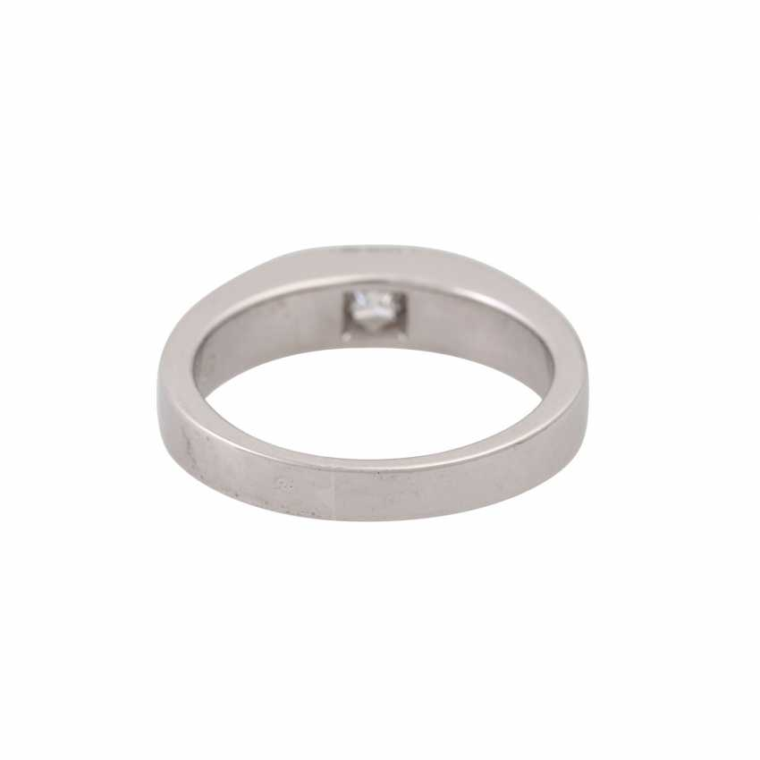Solitaire ring with princess diamond of approx. 0.45 ct, - photo 4