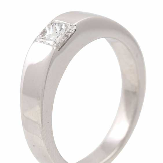 Solitaire ring with princess diamond of approx. 0.45 ct, - photo 5
