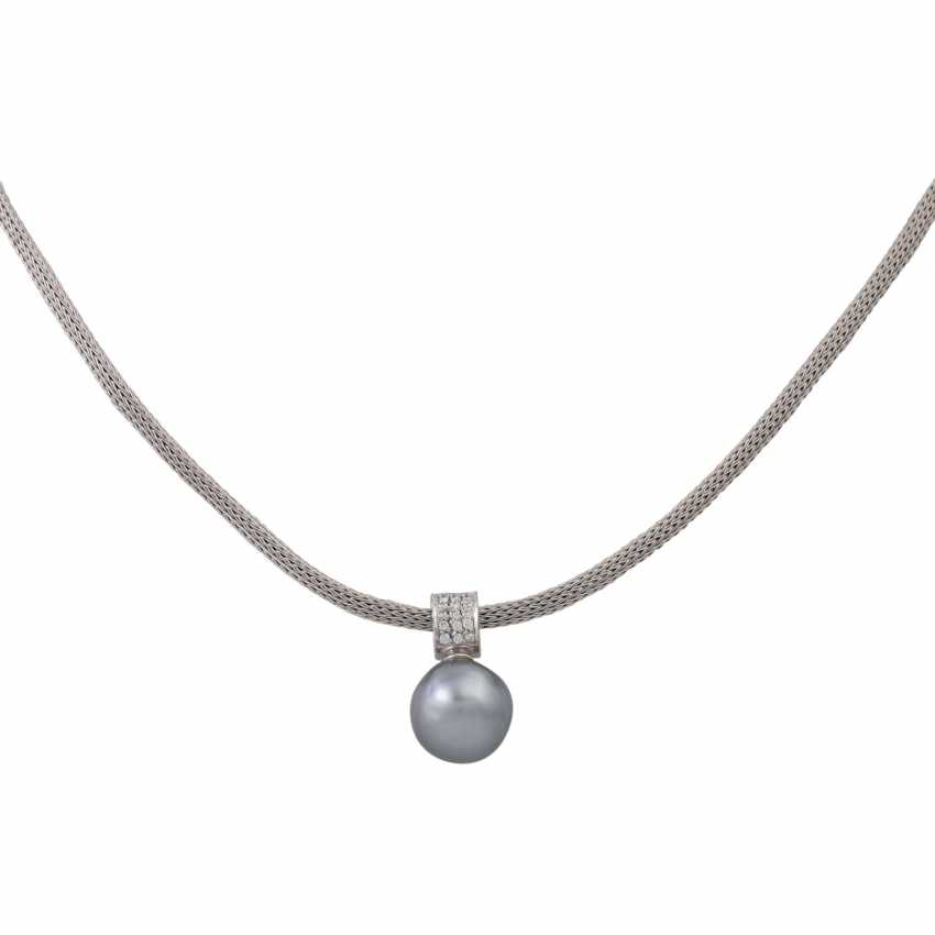 Collier with Tahitian pearl and diamonds, together approx. 0.33 ct (hallmarked), - photo 1