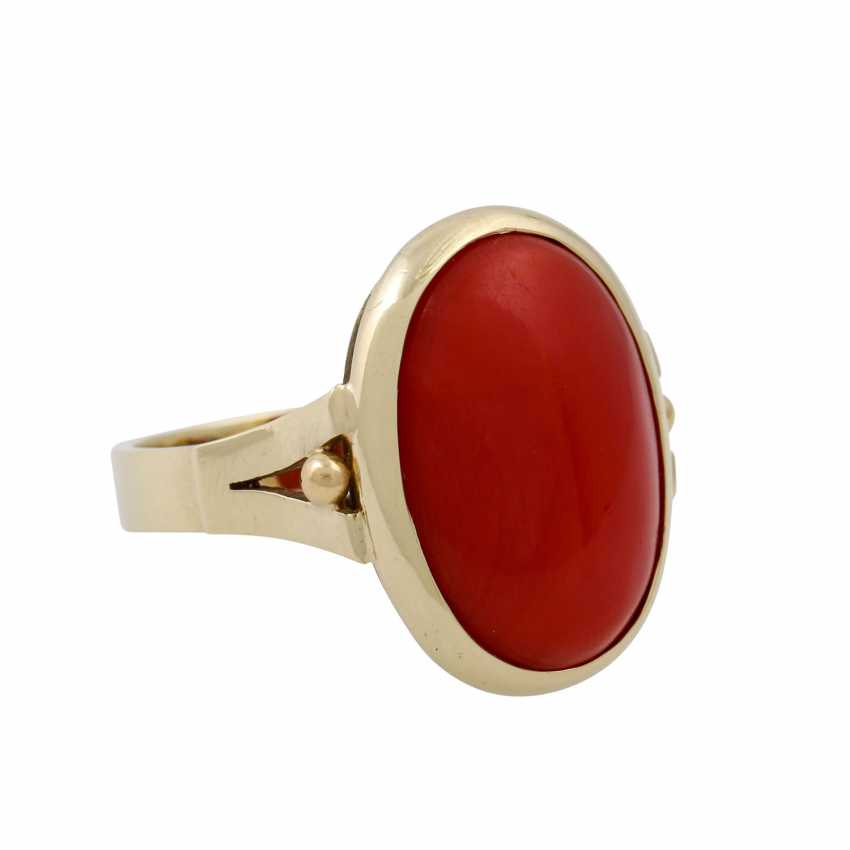 Ring with a fine oval coral, - photo 1