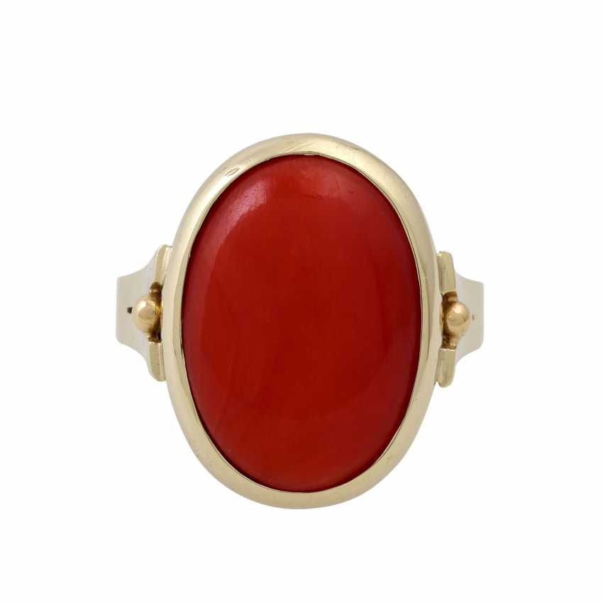 Ring with a fine oval coral, - photo 2