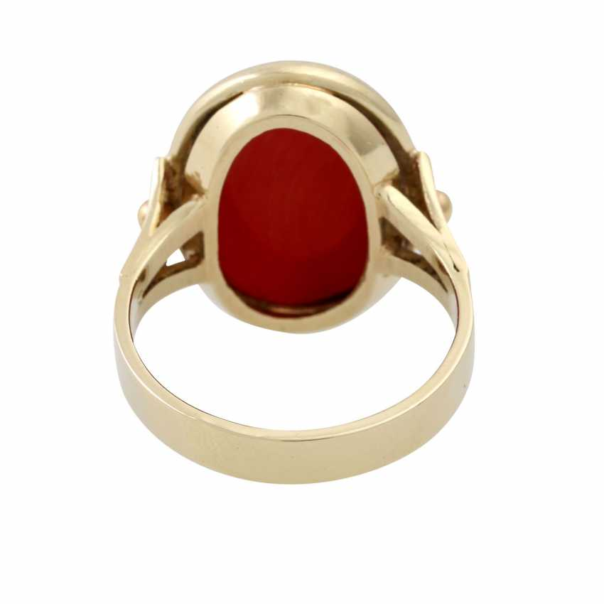 Ring with a fine oval coral, - photo 4