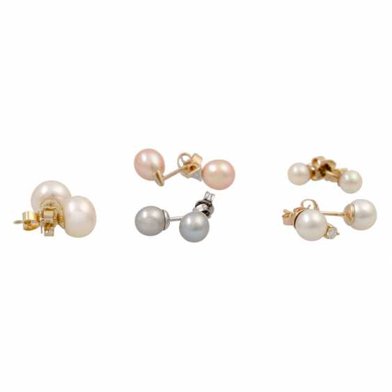 Mixed lot of 5 pairs of pearl ear studs, - photo 2