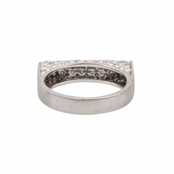Ring with diamonds totaling approx. 1 ct, - photo 4