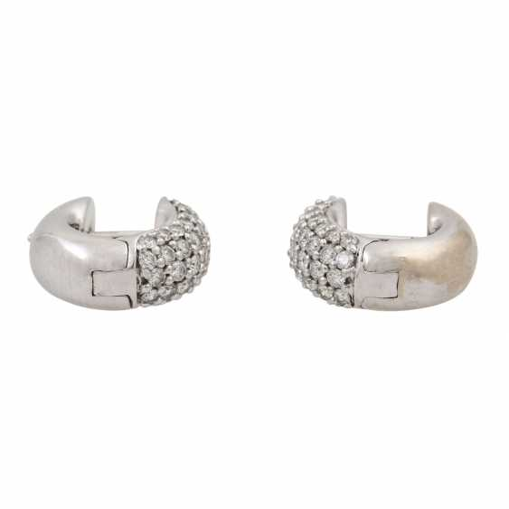 Pair of hoop earrings with diamonds totaling approx. 0.98 ct, - photo 5