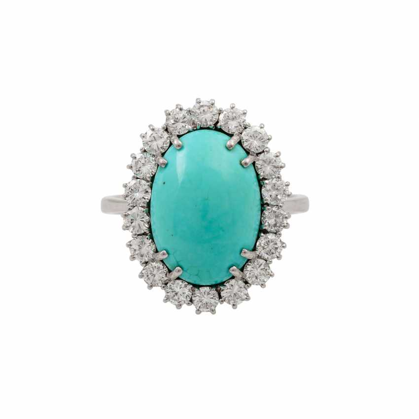 Ring with oval turquoise entoured with diamonds totaling approx. 1.2 ct, - photo 2