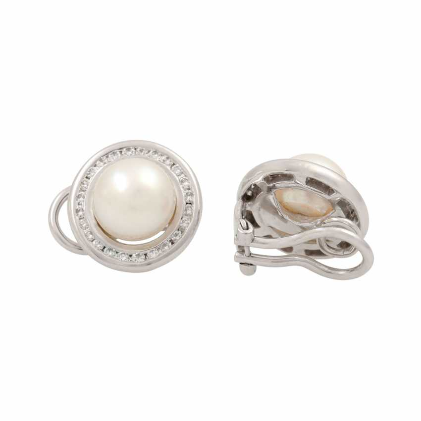 Jewelry set of ring and clip-on earrings with pearls and diamonds, - photo 5