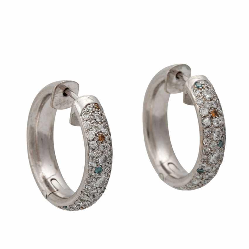 Pair of hoop earrings with numerous diamonds - photo 1
