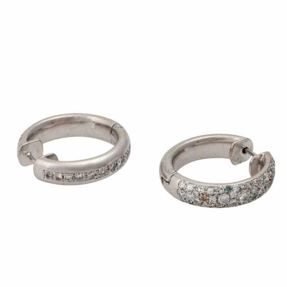 Pair of hoop earrings with numerous diamonds - photo 3