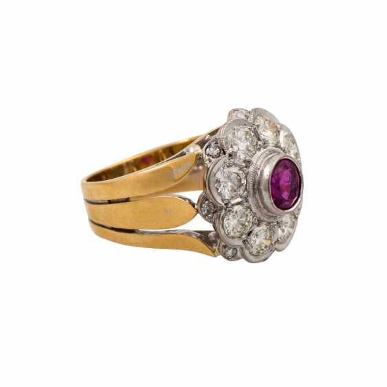 Ring with pink sapphire and diamonds totaling approx. 1.6 ct, - photo 1