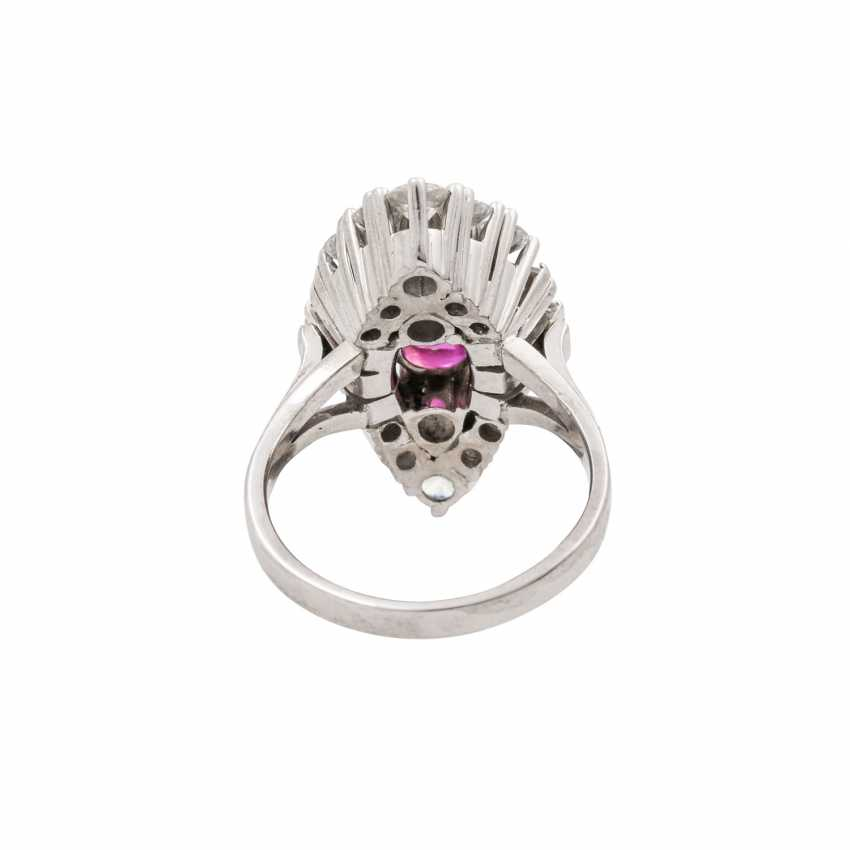 Ring with pink sapphire approx. 2.5 ct, diamonds total approx. 1.5 ct - photo 4
