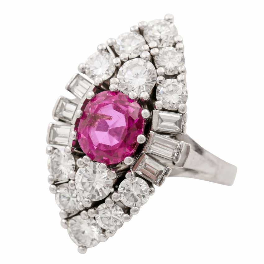 Ring with pink sapphire approx. 2.5 ct, diamonds total approx. 1.5 ct - photo 5