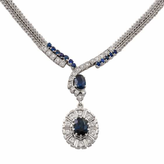 Collier with sapphires and diamonds totaling approx. 1.4 ct, - photo 2